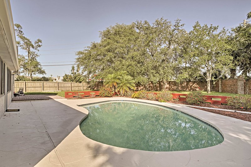 This Orlando home features a beautiful private pool!