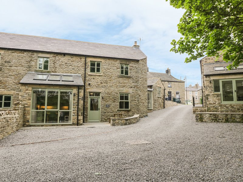 OAK COTTAGE, woodburner, exposed beams, river close by, in Middleton in Teesdale, location de vacances à Mickleton
