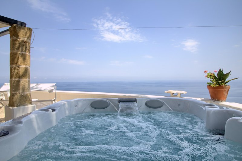 Othoni dream view & hot tub, casa vacanza a Gagliano del Capo