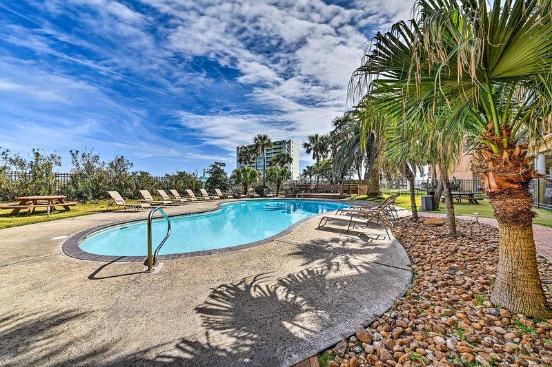 The Maravilla Condos feature 2 community pools & a convenient location.