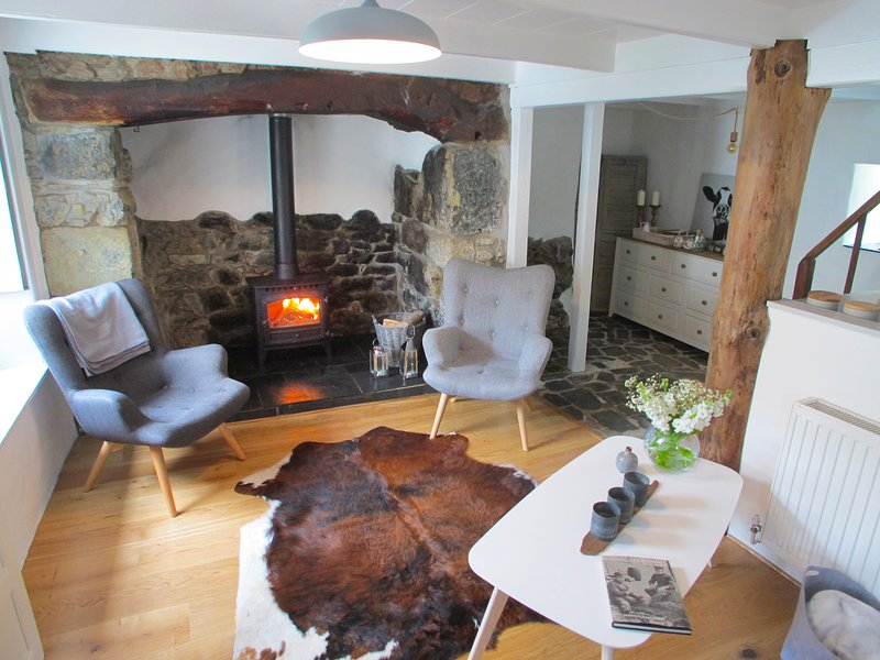 Holly Cottage, boutique Cornish cottage close to the Helford river, vakantiewoning in Mawgan