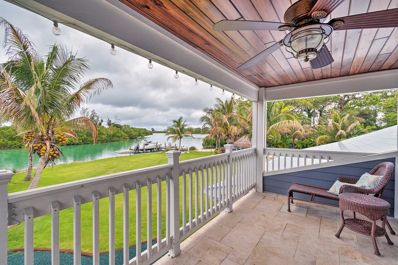 Ten lucky travelers will have direct access to the gulf from this 4-bed, 5-bath home.