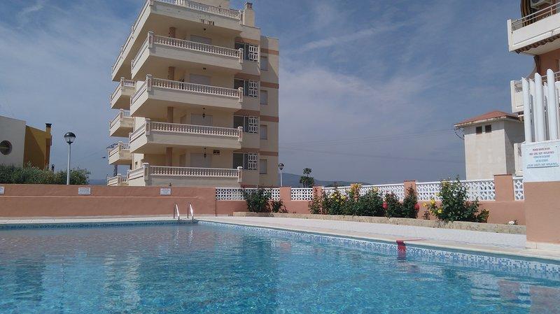 Alpen1- Apartamentos Voramar 6 Personas, holiday rental in Cervera del Maestre