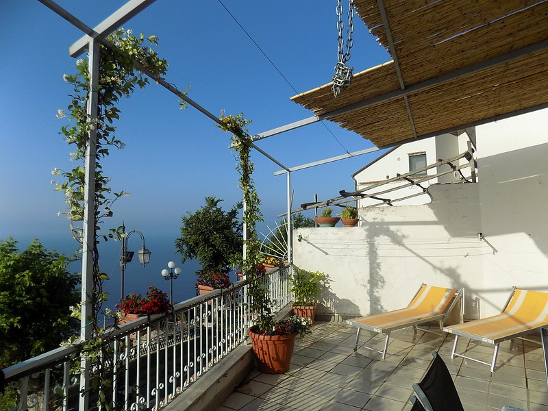 Crazy sweet home sea view amalfi coast, holiday rental in Conca dei Marini