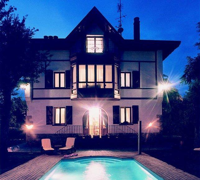 Villa Ganbara,en el Camino de Santiago y a 5 minutos del centro de Pamplona, vacation rental in Esteribar