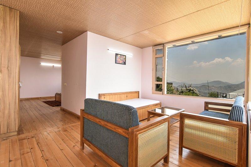 Anubhav Homestay (Whole House), vacation rental in Fagu