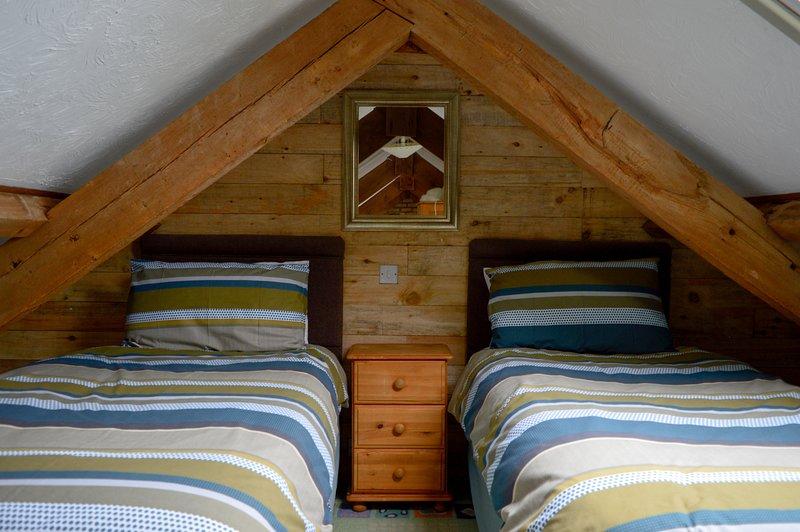 Mezzanine-Galerie Loft-Schlafzimmer mit 2 Einzelbetten