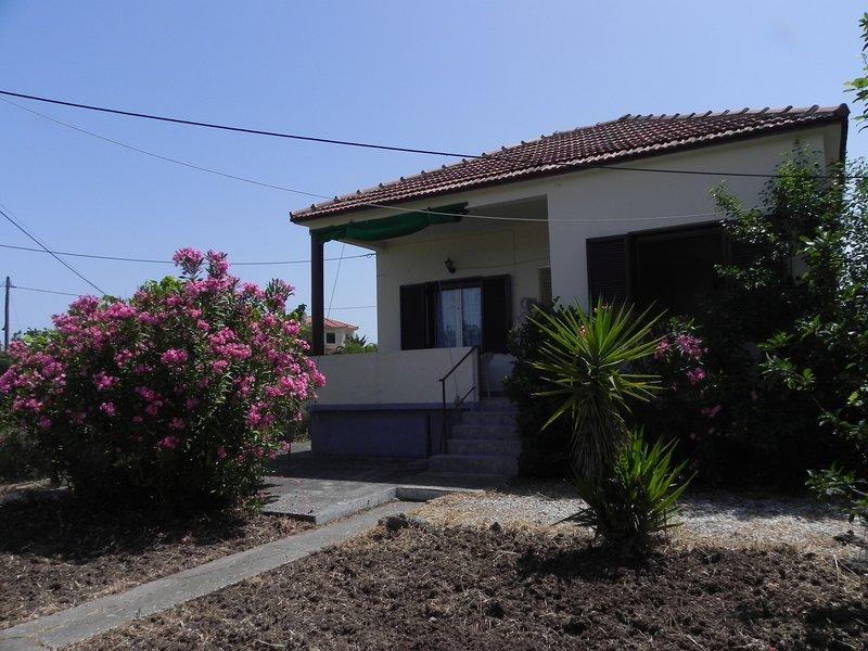 Sommerhaus am Golf von Kalloni 'Skala Cottage', holiday rental in Tavari