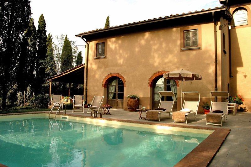 Malva Nuova Squarcia Villa Sleeps 12 with Pool Air Con and WiFi - 5634301, holiday rental in San Giovanni Valdarno