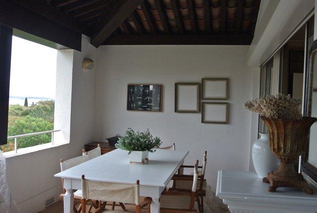 jantar com vista mar e Saint Tropez