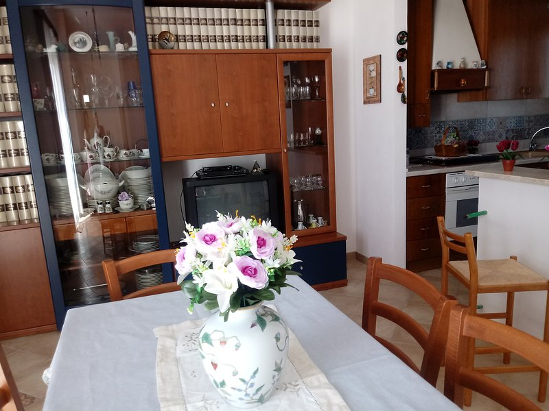 Room The holiday home is beautiful and welcoming and includes a large parking area and 4 beds