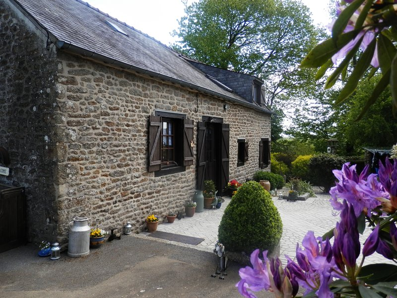 our French rural cottage on the hill. situated next door to Les Jardines Des Renaudies , near Gorron