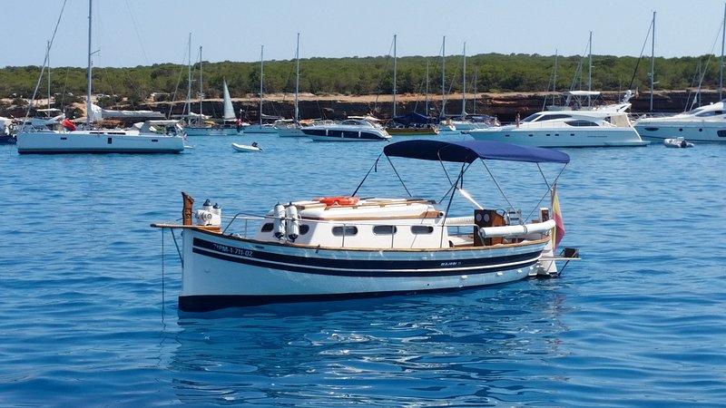 Barco MenorquinaLlaüt (La Savina, España) ACTUALIZADO