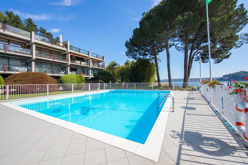 Communal pool (10 apartments)