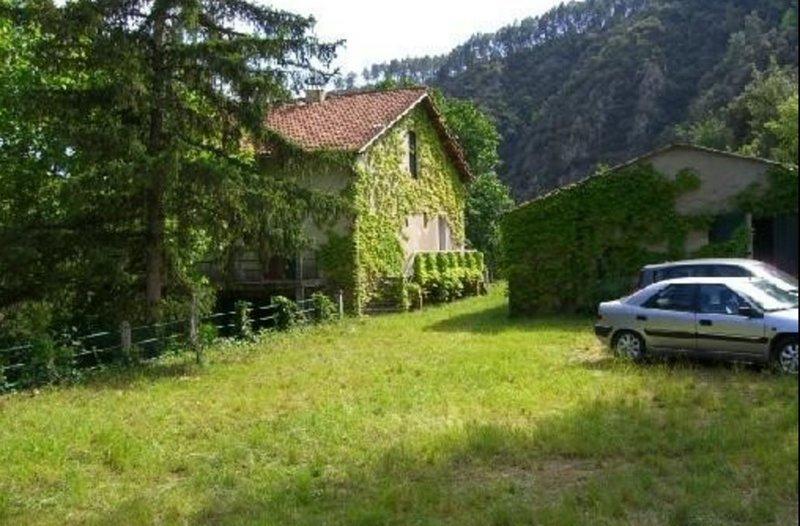 Maison pour 10 personnes à proximité d'un vaste plan d'eau, vacation rental in Rocles