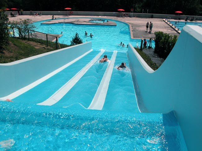 The public swimming pool in Tesserete is just 2 minutes from Casa Adriana