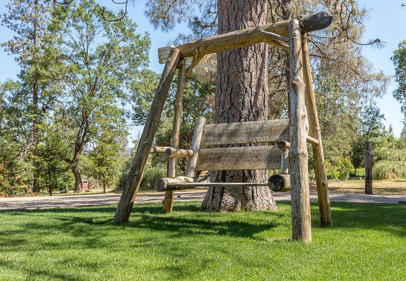 relax on the swing bench
