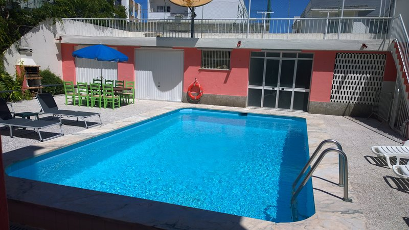 10P complete house private pool 4+1 bedrooms, vacation rental in Costa da Caparica