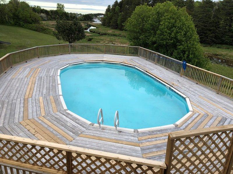 33' med 18' Private och uppvärmd pool