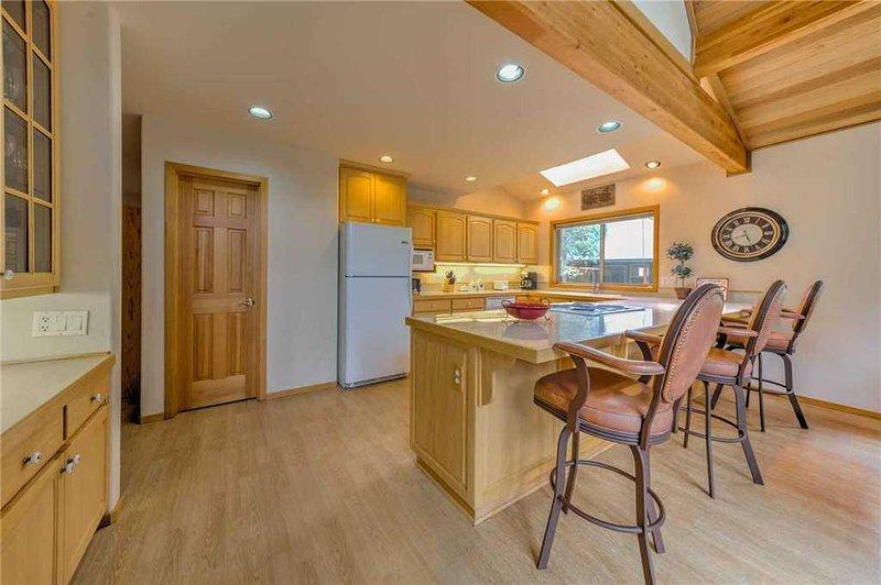 Sunriver-Vacation-Rental---55905-Wood-Duck---Kitchen-1