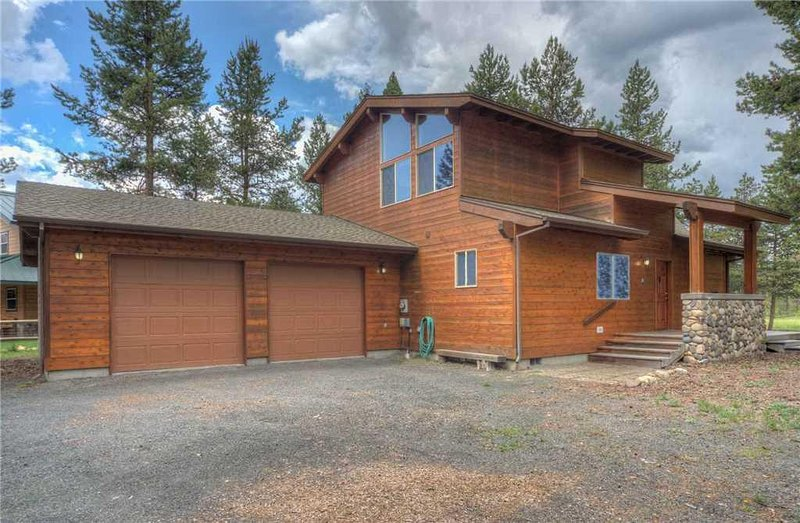 Sunriver-Vacation-Rental---55905-Wood-Duck---Exterior-Front
