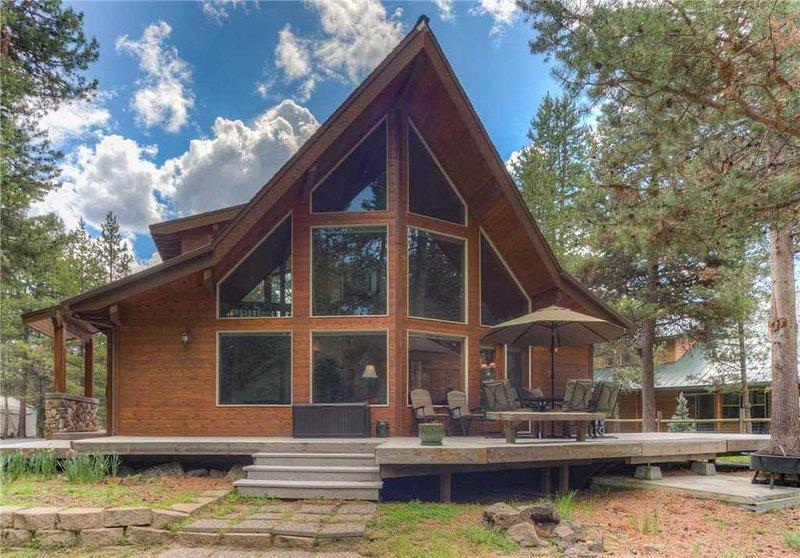 Sunriver-Vacation-Rental---55905-Wood-Duck---Exterior-Back