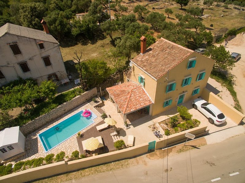 An authentic Mediterranean house, 120 years old, is located in a quiet village of Sveti  Jakov