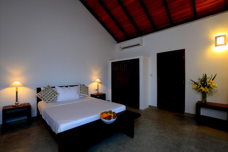 Kitesurf Guesthouse Kalpitiya - Large Luxury Room - Room 2, holiday rental in Kalpitiya