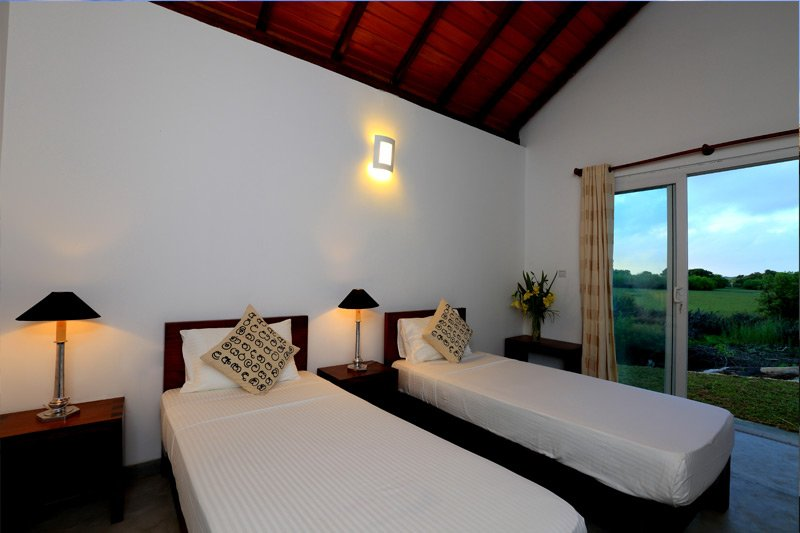 Kitesurf Guesthouse Kalpitiya - Two Single Bedroom - Room 1, holiday rental in Kalpitiya