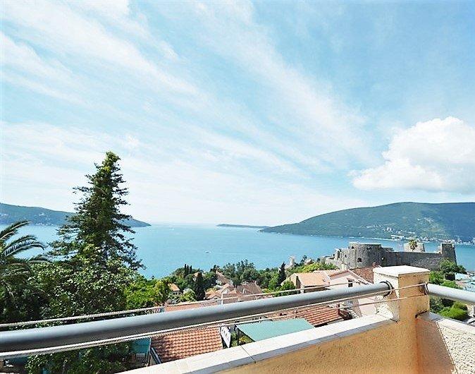 Apartment 'Bellevue', vacation rental in Herceg-Novi Municipality