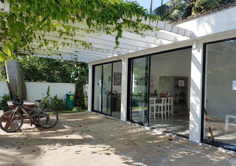 1 bedroom bungalow, holiday rental in Mirissa