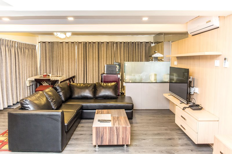 1BHk  Studio Penthouse Apartment, holiday rental in Central Region