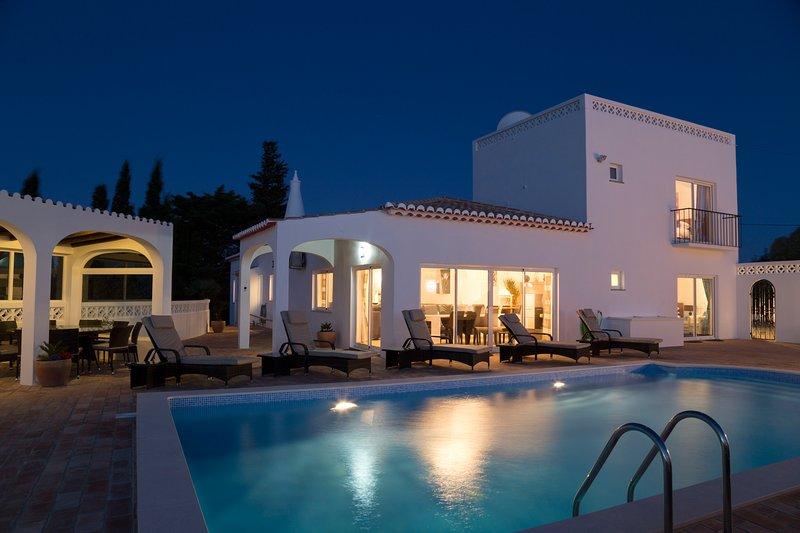 VILLA P21646 - LOCATION LOCATION LOCATION !!!, location de vacances à Bensafrim
