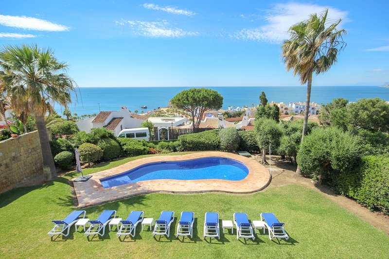 Beautiful 6 bed villa with garden and private pool – semesterbostad i Casares