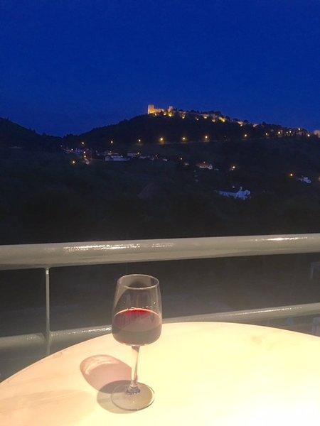 Bedrom balcony with Sesimbra castle