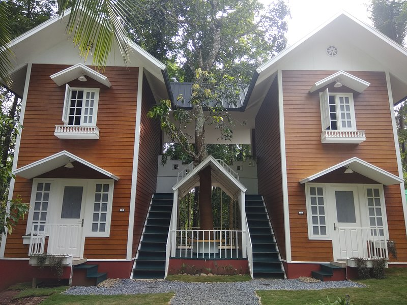 Waynroots - Wooden Villa room 4, holiday rental in Muthanga