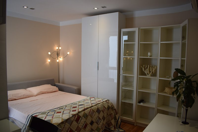 Coqueto apartamento en Madrid Rio, holiday rental in Mazo