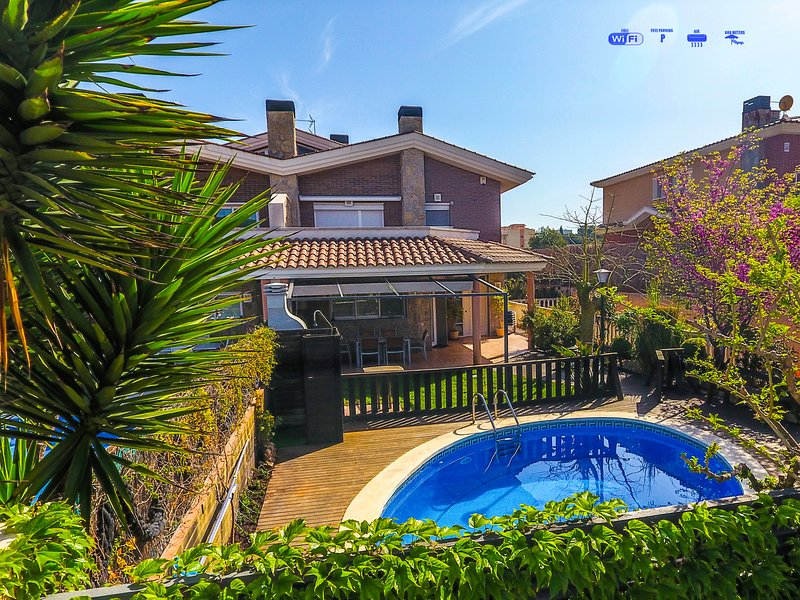 Super Ofertas Villa Moles, SOLO FAMILIAS, cerca de Port Aventura playa y golf, vacation rental in Salou