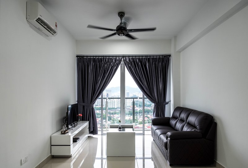 Cozy Condo for friends and family, holiday rental in Glugor