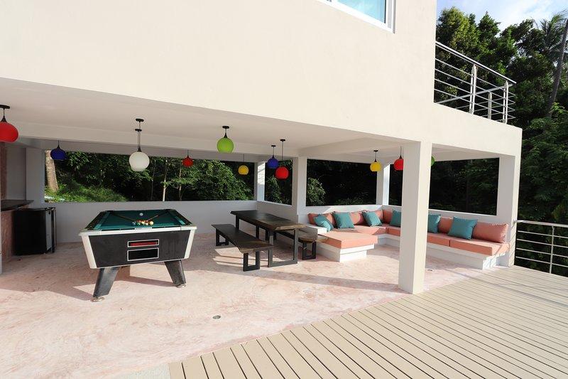 pool level pool table