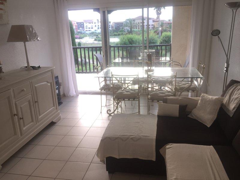 Superbe appartement Golfe de Saint-Tropez, holiday rental in Gassin