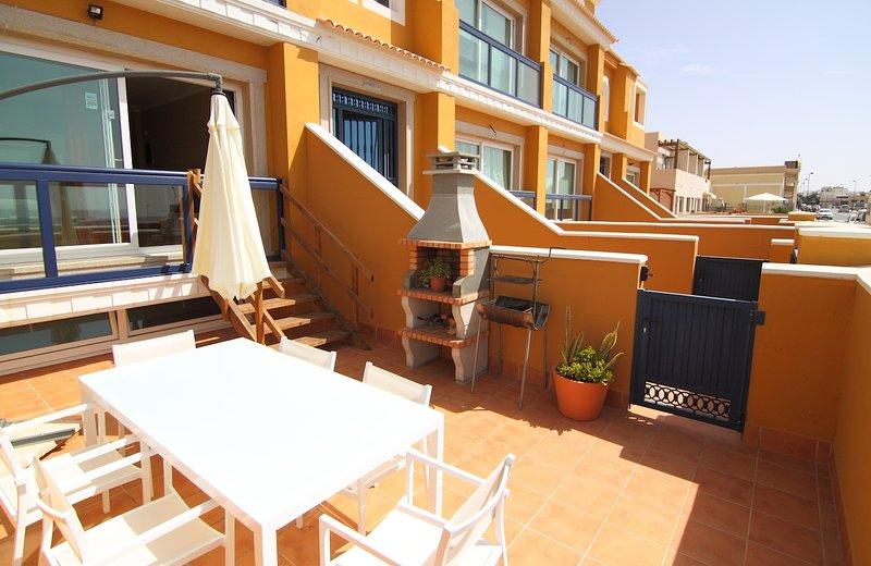 ANJU VILLAS BRAVO´S APARMENT2 ,NICE APARMENT WITH VIEWS TO SEA, holiday rental in El Cotillo
