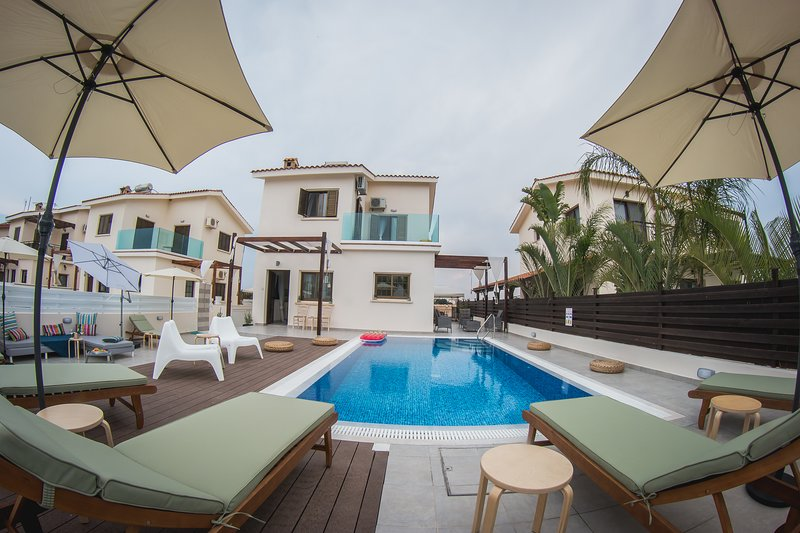 Villa Elena (Private pool, 50 meters from beach,Near to Nissi beach), vacation rental in Ayia Napa