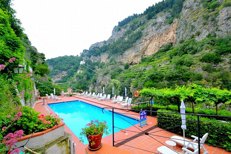 Castiglione Holiday Home Sleeps 2 with Pool - 5228362, holiday rental in Castiglione