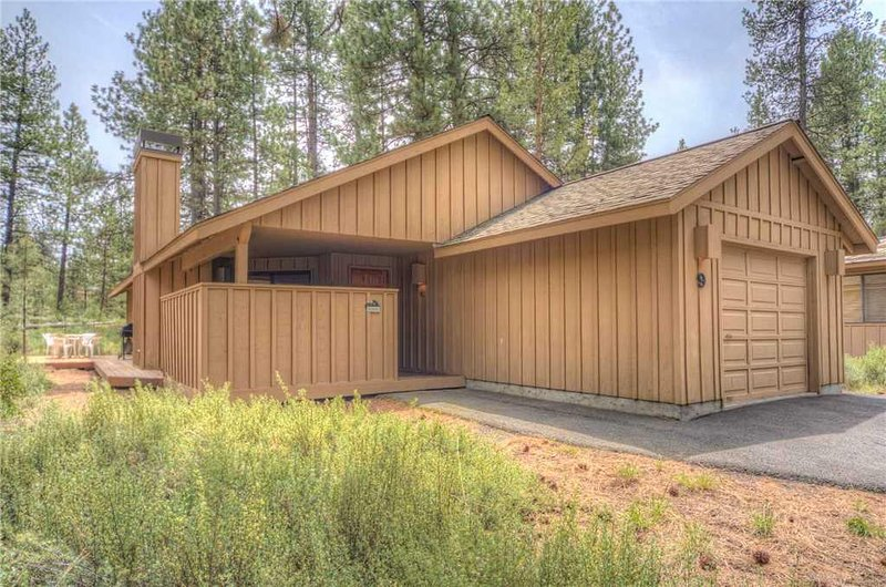 Sunriver-Vacation-Rental---9-Coyote---Exterior-Front