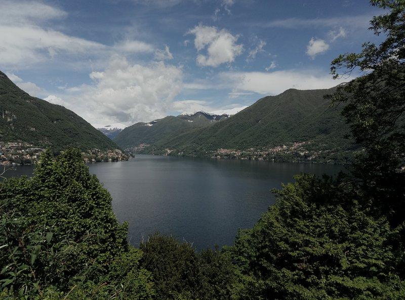 La Turr de Mezz Nesso-appartamento con camera vista lago- Relax e tranquillita, location de vacances à Nesso