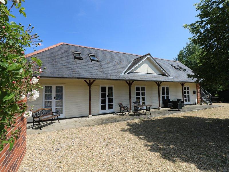 THE COACH HOUSE, barn conversion, en-suite, WiFi, Ref 953419, location de vacances à Wootton