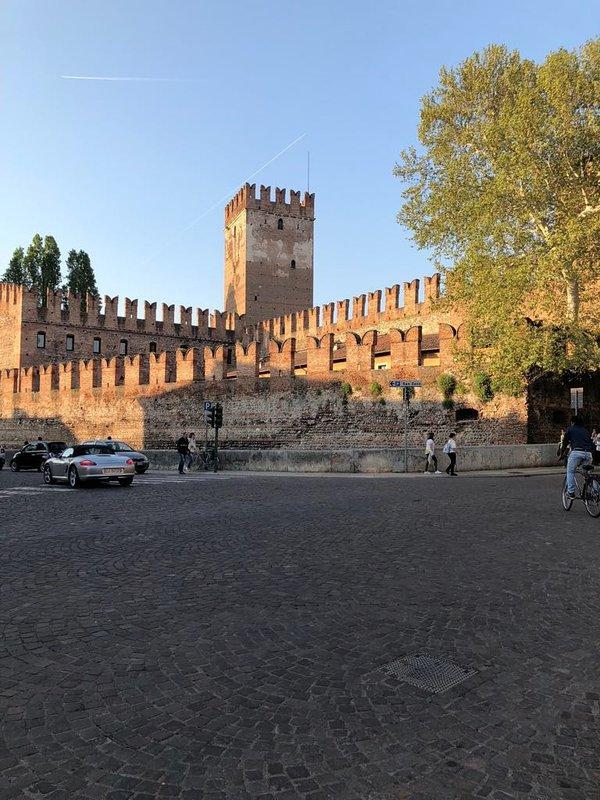 castelvecchio a 1-minute walk
