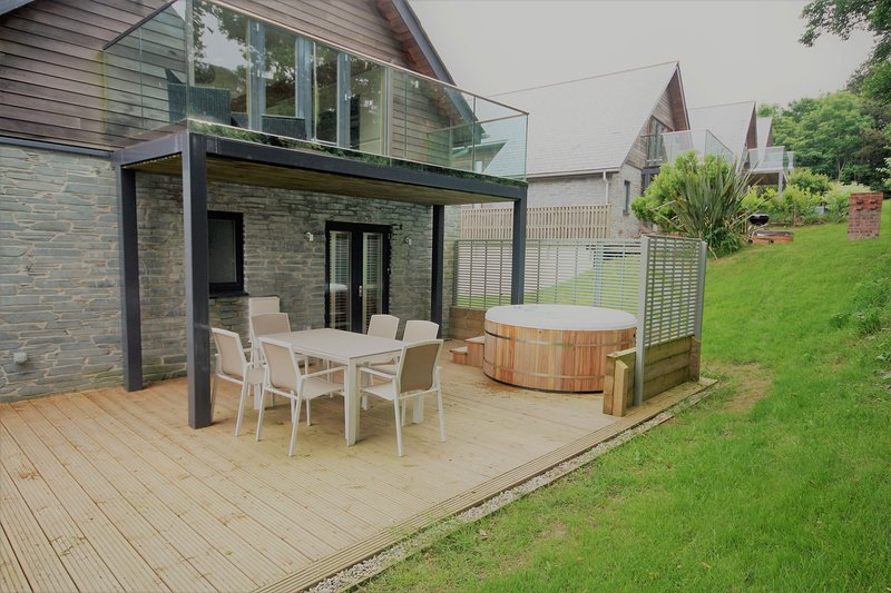 House 30 - This beautiful home has been recently refurbished to a very high stan, Ferienwohnung in Looe