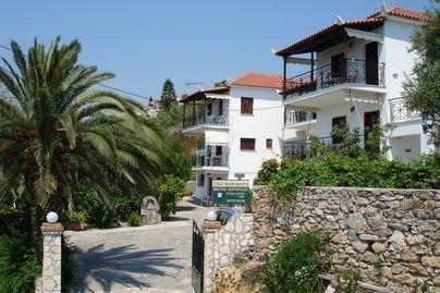 Zaga Apartments Katerina, vacation rental in Koroni